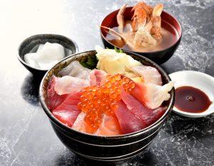 ウロコジュウ上海鮮丼