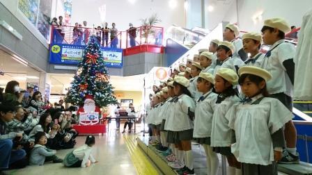 クリスマスツリー 点灯式